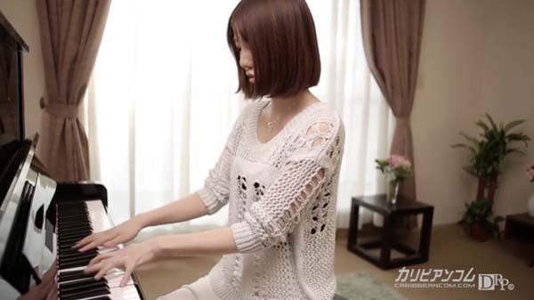 綾瀬なるみ ピアノ演奏